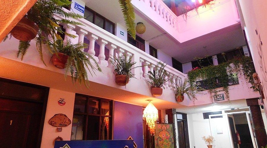 Hotel / Hostel